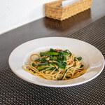 イタリアンとワインのお店 Secondo Casa - つるちゃんねぎとたもぎ茸のペペロンチーノスパゲティ