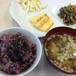 東横INN - 黒米の朝食