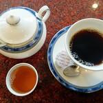 丸峰庵 - ホットコーヒーとお茶