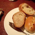 クローバー ボヌール - セットの自家製パン(食べ放題)