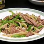 台湾中華 東明飯店 - 牛肉ピーマンの細切り炒め¥970