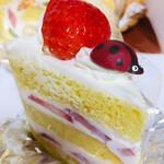 グーテン ターク - 料理写真:苺のショート