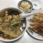 北葉飯店 - 野菜カレーそば+ぎょうざ