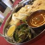 本格印度料理バターチキン - チーズナンランチ