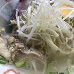中国料理鉄人 - 鶏肉塩ラーメン接写