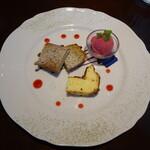 Figaro - デザート盛り合わせ(フランボワーズアイス、バスクチーズケーキ、紅茶のパウンドケーキ)