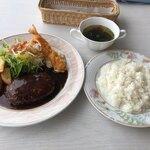 ファミリーレストランラピタ - 料理写真:ハンバーグランチ