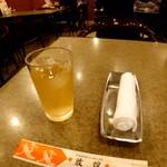 中華料理 敦煌 らーめんすき - ファーストセッティングと店内の様子
