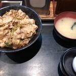 伝説のすた丼屋 - すた丼(630円)