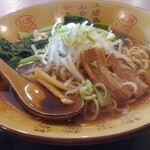 美歓園 中華鉄鍋燉 - 醤油ラーメン