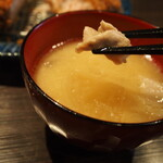 とんかつ 檍 札幌 - 味噌汁(豚)