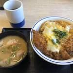 かつや - 料理写真:カツ丼(竹)、豚汁(小)