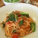 cafe Sawala - 本日のパスタ 小松菜とベーコン(トマト)
