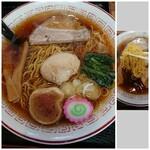 122253691 - 小鳩ラーメン+スタミナご飯 1,030円 の 小鳩ラーメン