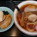 122253694 - 小鳩ラーメン+スタミナご飯 1,030円