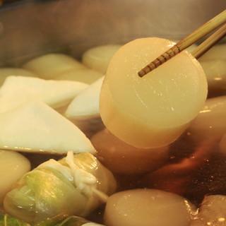 """旬を含め揃えるネタは常時30種以上◆滋味深い味わい""""おでん"""""""