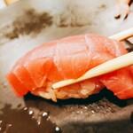 Sushitsunaya - シャリに赤酢使用