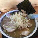 ラーメン ひろば - 料理写真:ネギみそチャーシューメン(¥950)+麺大盛(¥100)