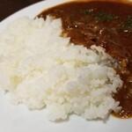 横浜ハイボール - 料理写真:カピカビご飯のハヤシライス