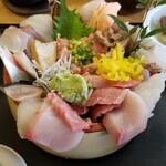 魚心亭 - お任せ丼ランチ +ネギトロ