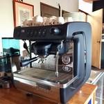 カフェコルソマルケ38 - チンバリの高性能マシン!率直に言って前のマシンより高価です。ボディが小さいから飲まないなんて、愚かです(笑)!