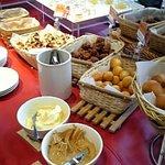 1223055 - 数多くのデザートは小さく切ってあって多くの種類が食べられます