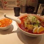 蒙古タンメン中本 高田馬場店 - サービスのプチ麻婆丼と北極野菜