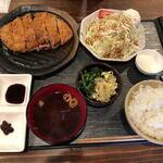 焼肉 まるえん - ロースかつ定食(140g)