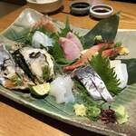 旬魚菜よし田 - 刺身盛り合わせ