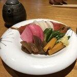 旬魚菜よし田 - お漬けもの盛り合わせ
