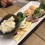Premium Sake Pub GASHUE - 前菜盛り