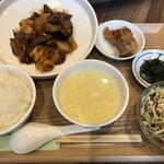 Taxaruxxufon - 海鮮3種とナスの炒め物ランチ