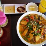 センホンベトナム料理  - タニシのブンセット