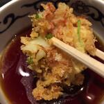 喜乃字屋 - ネギがたっぷりで実に美味いかき揚げです。