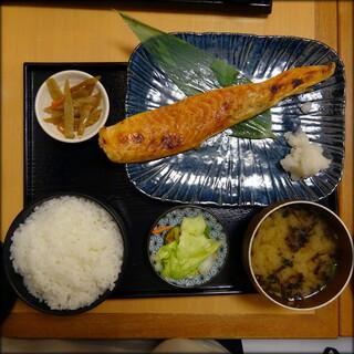 産直仕入れの北海道定食屋 北海堂