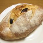バードプルーム野崎 - 料理写真:イチジクとクルミフランス