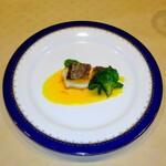ふらんす厨房 Kei - 真鯛のソテー、ブロッコリーとサフランソース