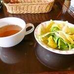 プリモピアット - 料理写真:パスタランチ サラダとスープ