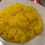 サムラート - サフランライスは美味しいですが、熱くない。