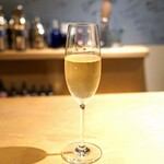 SECRETO - ウェルカム ドリンク(スパークリング ワイン)