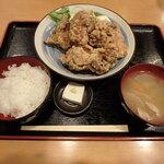 海虎 - 鶏のからあげ定食¥800