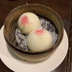 重慶茶樓 - 写真は最後に桃饅頭だけ撮った。