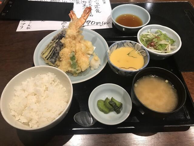 おいしい寿司と活魚料理 魚の飯 調布の料理の写真
