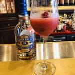 alcobareno - シーバスリーガルベースのかわいいベリーのカクテル♡甘酸っぱくて美味しいです(๑>◡<๑)♡