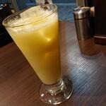 居酒屋インド料理店 チャンドラマ  - マンゴーラッシー