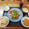 お好み焼 たち花 - 料理写真:焼きそば定食550円。お母さん二人で営んでいた面影は…ありません(..)