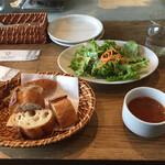 122374980 - パスタランチ 1,050円(スープ+サラダ+バゲット)