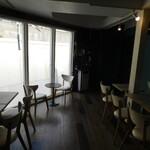 MK CAFE - 店内(2Fテーブル席)