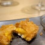 蕎麦cafe 粉々奈 - ひとくちウニたっぷりクリームコロッケ