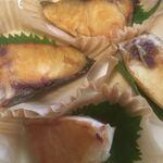 おかずやフジヨシ - 料理写真:塩ぶり切落とし(2019.12.現在)